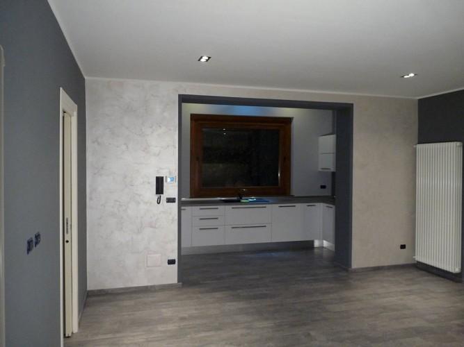 Pitturazione materica pareti colore pareti h art pittura for Effetto spugnato pareti foto